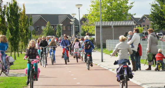 schoolchildren-ride-bikes-on-safe-cyclepath-in-netherlands